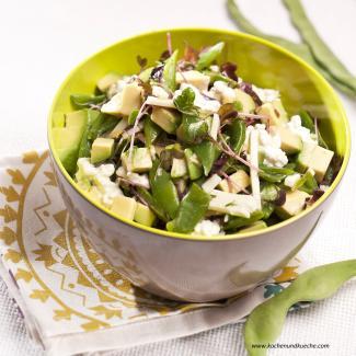 salat mit breiten gr nen bohnen avocado und h ttenk se kochrezepte von kochen k che. Black Bedroom Furniture Sets. Home Design Ideas