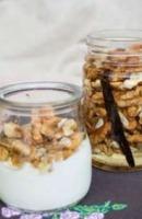 Nüsse in Honig