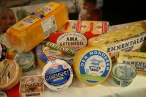 Beim mit AMA-Gütesiegel-Käse ist nur Milch aus Österreich drinnen.