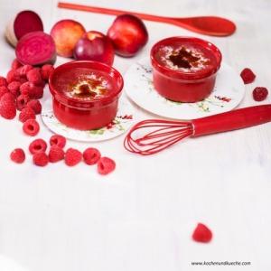 Crème brûlée von Roten Rüben, Himbeeren und Nektarinen