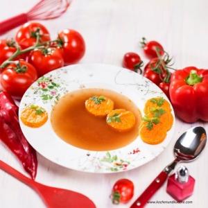 Paradeiserschöberln in klarer Paradeiser-Suppe