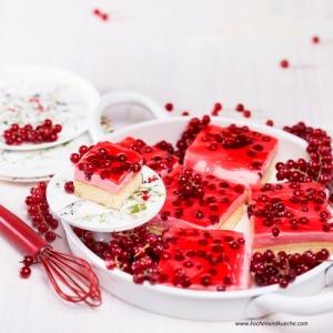 Ribisel-Mousse-Blechkuchen