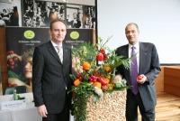 Robert Fitzthum (LK Wien) und Gerald König (LGV) sind stolz auf die Leistung der Wiener Gemüsebauern und der LGV