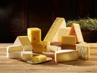 Dass österreichische Heumilch und Heumilch-Produkte doppelt so viele Omega-3-Fettsäuren und CLA enthalten wie Standardmilch, ist jetzt wissenschaftlich untermauert. Foto: ARGE Heumilch