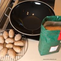 Erdäpfel | Kartoffeln räuchern mit dem Wok 2