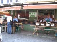 Kartoffeln dürfen auf keinem Markt fehlen - hier in München am Viktualienmarkt.