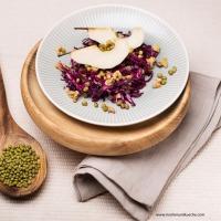 Mungobohnen-Rotkraut-Birnen-Salat