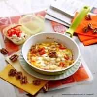 Paprika-Walnuss-Omelett aus der Pfanne