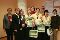 Das siegreiche Team der LFS Ottenschlag mit Jury und Festgästen.