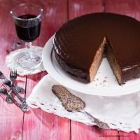 Rotwein-Hirse-Torte